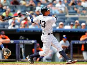 a-rod-hit-his-first-home-run-of-the-year-and-now-yankees-fans-love-him